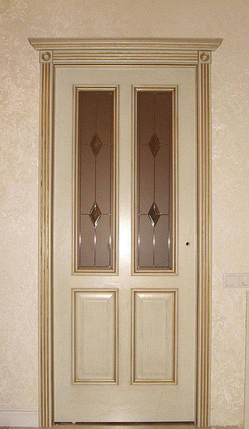 Межкомнатные двери цвета слоновая кость: крупным планом
