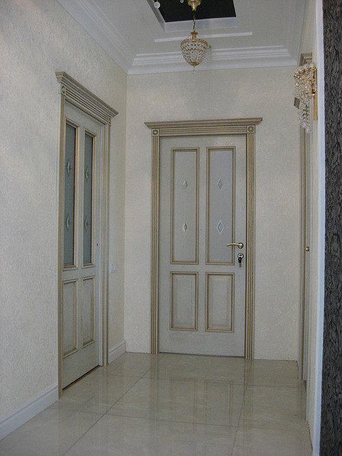 Межкомнатные двери цвета слоновая кость в интерьере