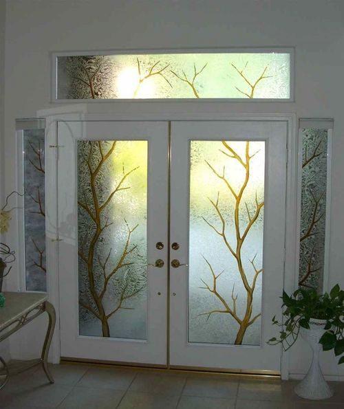 belye-dveri-so-steklom_1-5217166