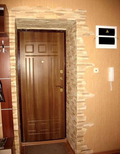 dekorativnaya-otdelka-dverej_12-1651690