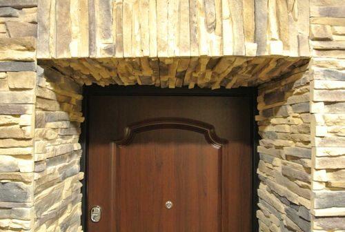 dekorativnaya-otdelka-dverej_7-3610898