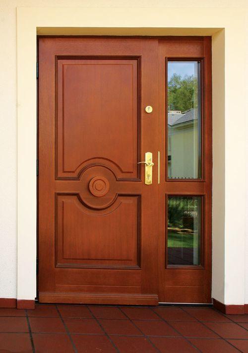 derevyannye-dveri-iz-massiva_4-3279567