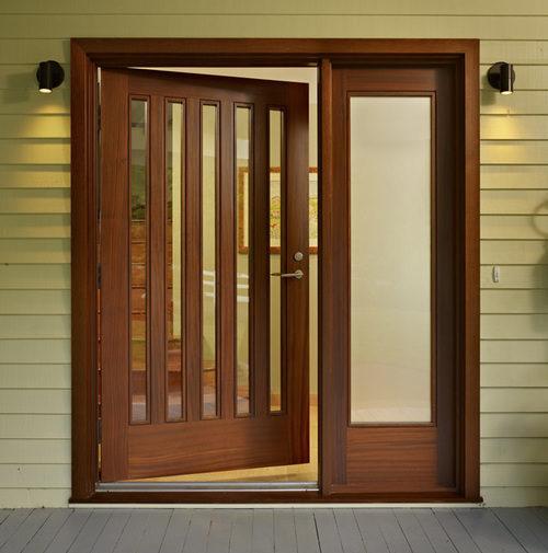 derevyannye-dveri-so-steklom-05-1522356