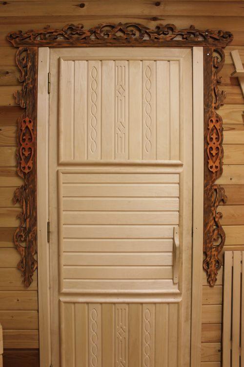 derevyannye-dveri-v-banyu_7-9966390