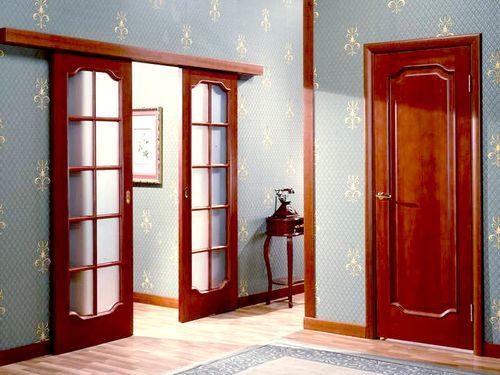 dver-krasnogo-cveta_9-5865686