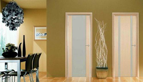 dveri-iz-yasenya-buka_4-7366566