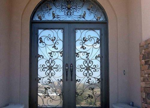 dveri-so-steklom_2-5463698