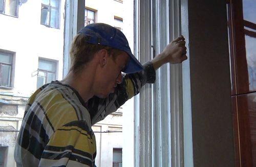 kak-uteplit-balkonnuyu-dver_2-1198005