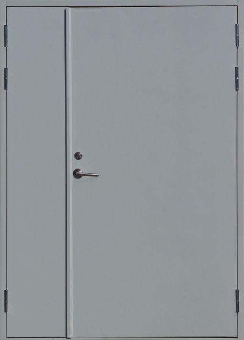 kak-uteplit-zheleznuyu-dver_2-2904807