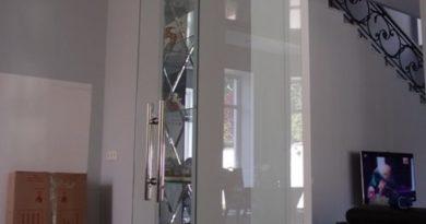 mayatnikovye-dveri-01-9081553