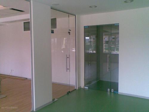 mayatnikovye-dveri-09-4566693