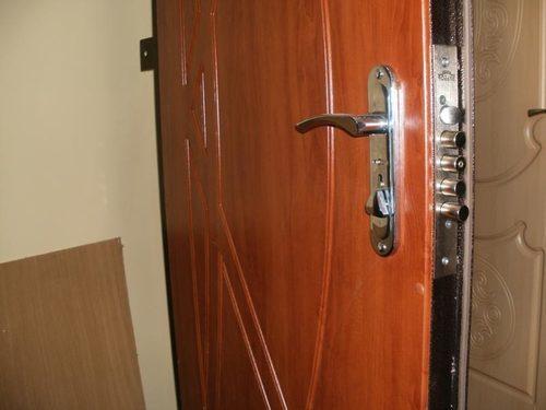 metallicheskie-dveri-06-9030426