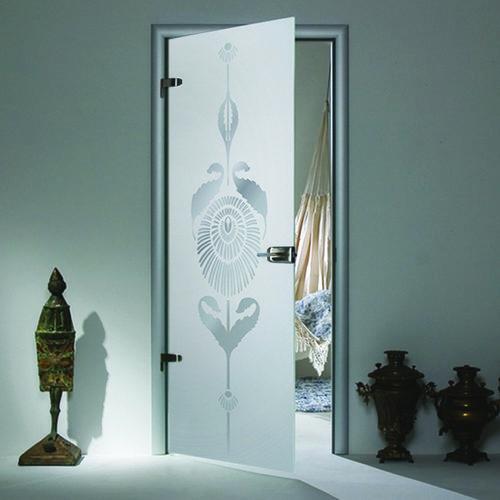 Межкомнатные двери с рисунком в интерьере
