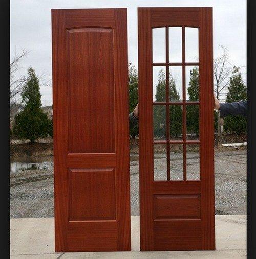 Характеристики и достоинства красных межкомнатных дверей
