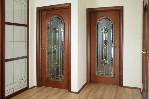 mezhkomnatnye-dveri-klassicheskom-stile_7-4876434