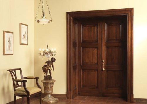 mezhkomnatnye-dveri-klassicheskom-stile_8-3671242