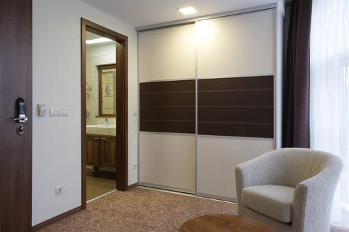 mezhkomnatnye-dveri-peregorodki-03-8010305