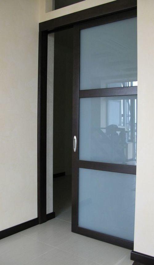 mezhkomnatnye-razdvizhnye-dveri-v-stenu-07-1406262