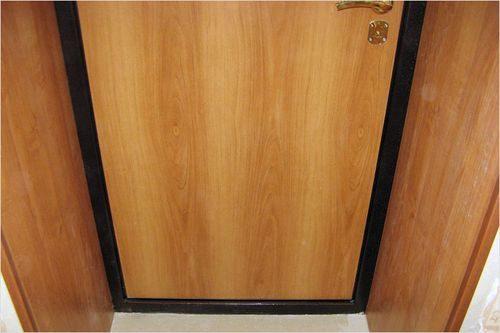 otdelka-dverej-laminatom_10-4806460