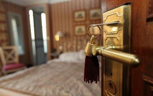 otkryt-mezhkomnatnuyu-dver-01-8153973