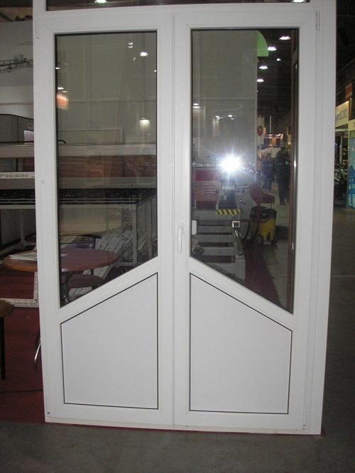 Комплект металлопластиковых дверей