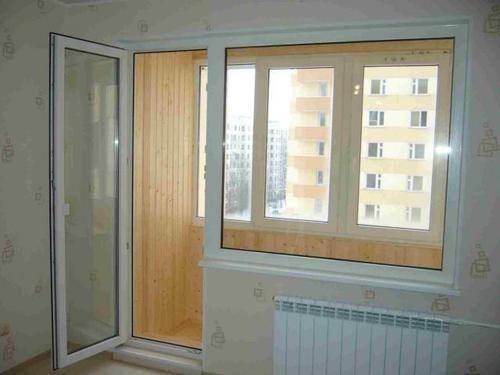 Регулировка входной пластиковой двери у балкона