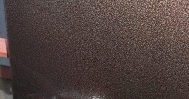 pokraska-vhodnoy-metallicheskoy-dveri-01-7140723