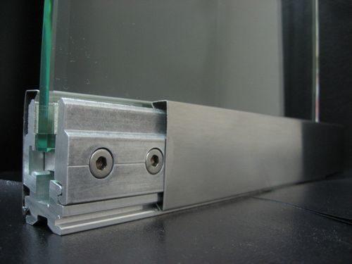 pro-furnituru-steklyannyx-dverej_5-8325136
