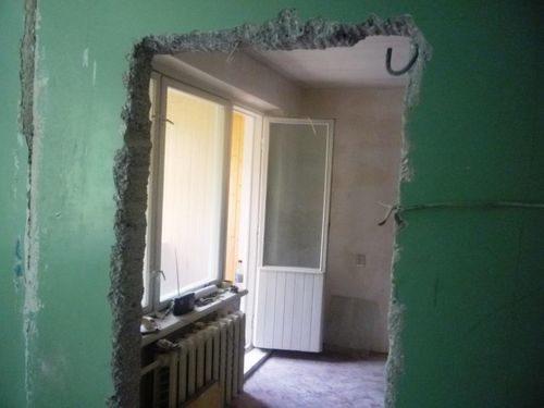 sdelat-proem-dlya-dveri_3-9296769