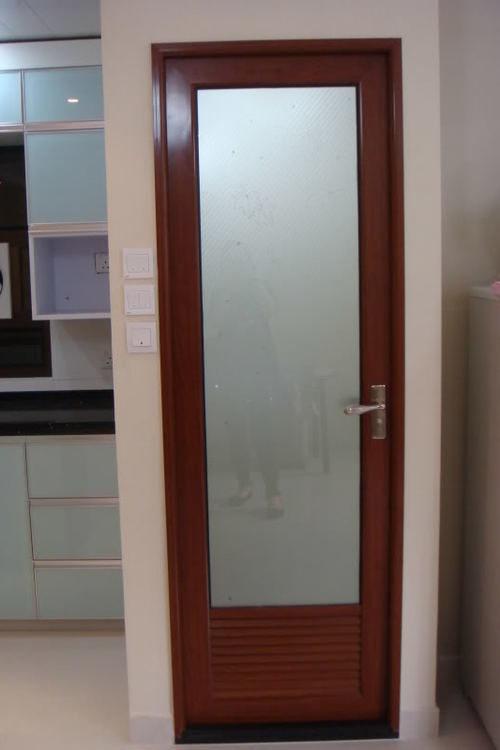 steklyannye-dveri-02-4115004