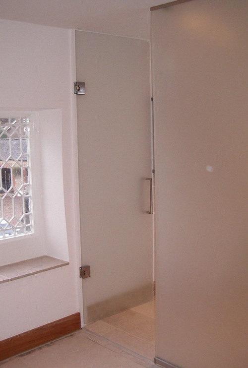 steklyannye-dveri-04-8039952