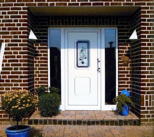 ulichnye-plastikovye-dveri_1-9695350