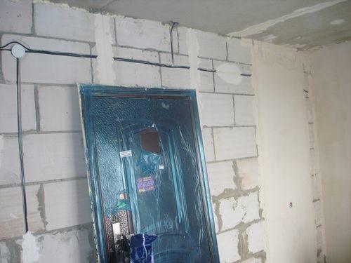 ustanovka-kitajskoj-dveri_2-3180463