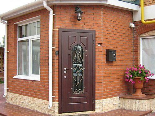 uteplennye-metallicheskie-dveri_5-6799680