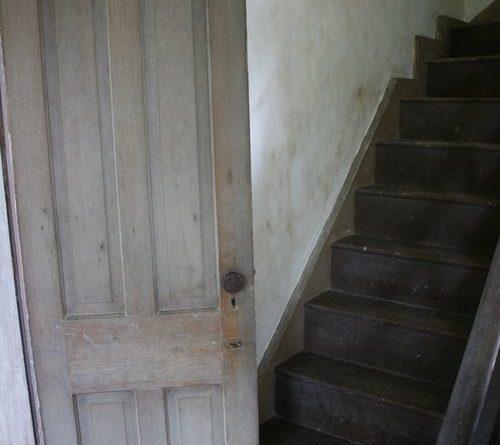 uzkie-mezhkomnatnye-dveri-01-6398622