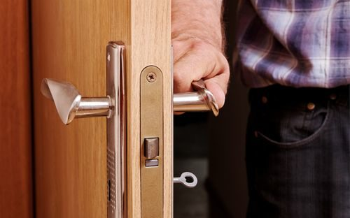 zahlopnulas-dver_7-9492491