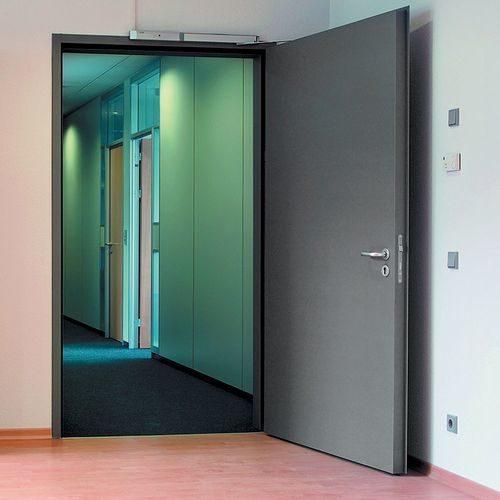 dvery-pozharnoj-bezopasnosti_3-5432757