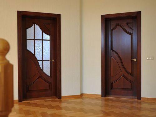 dver-krasnogo-cveta_1-8913675