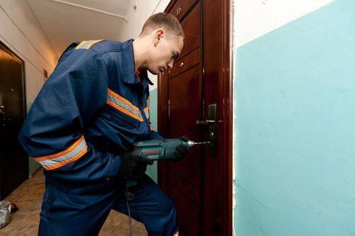 vskryt-zamok-dveri_9-7327412