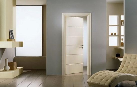 Одностворчатая межкомнатная дверь из дерева