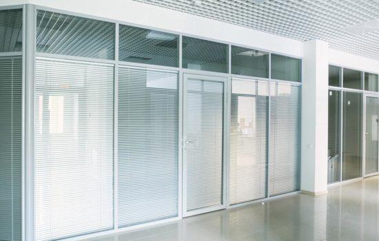 ofis-peregorodki-550x350