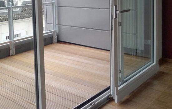 Балконные раздвижные двери из пластика