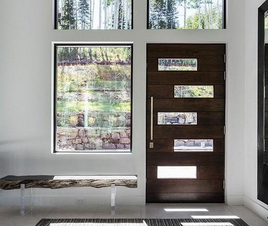 dveri-derevyannie-vhodnie-7-650x550-2420487