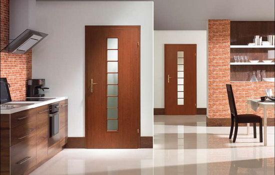 Филенчатые двери в интерьере квартиры