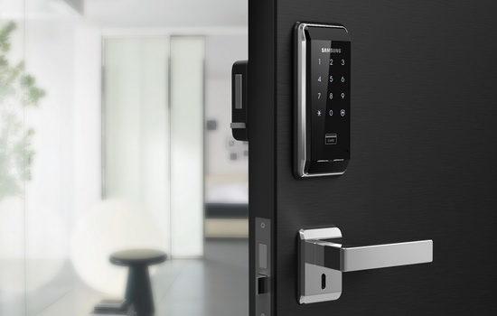 Какими бывают кодовые дверные замки