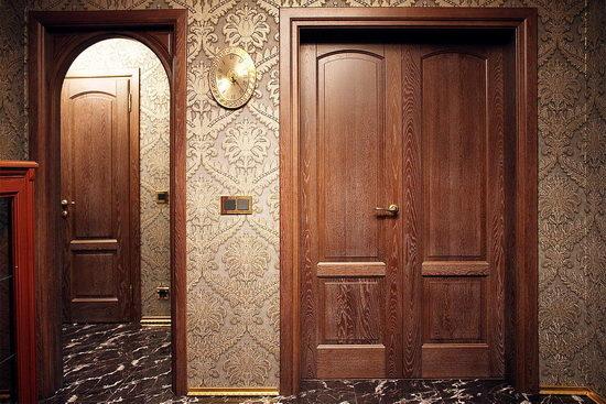 Двери из древесного массива