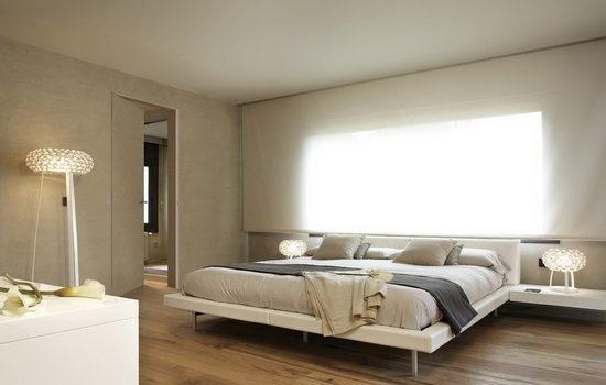 Дверь-невидимка в интерьере спальни