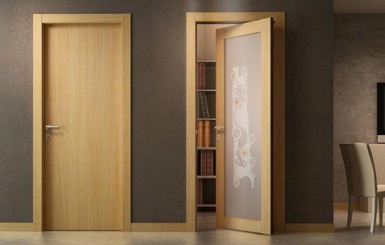 derevyannye-mezhkomnatnye-dveri-3922795