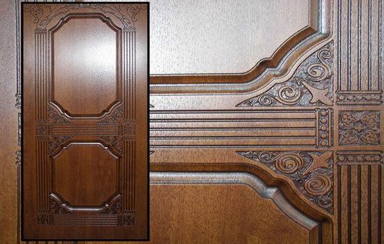 derevyannye-nakladki-na-metallicheskuyu-dver-6273197