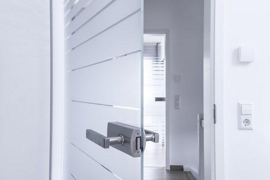 Дверь из стекла распашного типа
